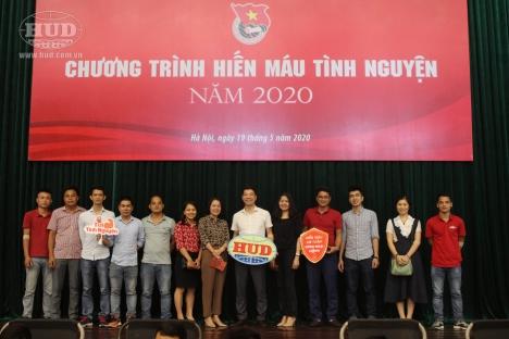 Cán bộ, Đoàn viên thanh niên HUD tham gia ngày hiến màu tình nguyện do Đoàn khối doanh nghiệp Trung ương tổ chức