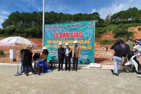HUD bàn giao đất tái định cư cho nhân dân phường 4, thành phố Đà Lạt, tỉnh Lâm Đồng